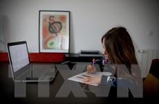 UNESCO: 50% học sinh, sinh viên thiếu máy tính để học trực tuyến