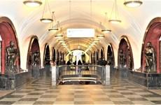 Bí ẩn những bức tượng mang lại may mắn tại ga tàu điện ngầm ở Nga