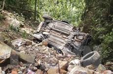 Hiện trường xe ôtô lao xuống vực khiến 4 người tử vong ở Tam Đảo