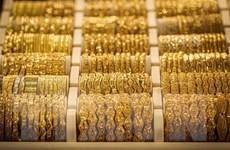 Giá vàng châu Á tăng lên mức cao nhất trong hơn 7 năm qua