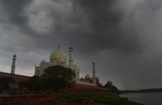 Ấn Độ: Giông bão kèm theo sấm sét gây hư hại Đền Taj Mahal