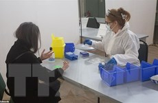 Anh ngừng thử hydroxychloroquine điều trị cho bệnh nhân COVID-19