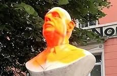 Pháp: Người biểu tình phá hoại tượng cố Tổng thống Charles de Gaulle