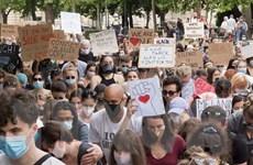 Hungary: Tuần hành bên ngoài Đại sứ quán Mỹ chống phân biệt chủng tộc