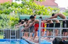 Thầy giáo tự xây bể và dạy bơi miễn phí cho trẻ em nghèo miền núi