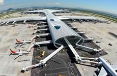 Sân bay Trung Quốc tiếp nhận lại chuyến bay chở khách quốc tế