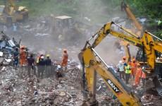 Sập nhà năm tầng ở Ấn Độ: Đưa 2 thi thể ra khỏi đống đổ nát