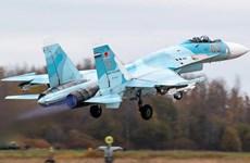 """Nga điều tiêm kích Su-27 chặn """"pháo đài bay"""" B-52 của Mỹ"""