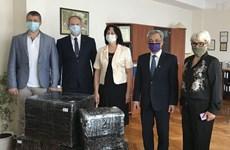 Sứ quán Việt Nam tại Ukraine thăm trường chuyên ngữ mang tên Bác Hồ