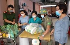 Người dân TP. HCM đổi rác thải nhựa lấy gạo để bảo vệ môi trường