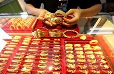 Giá vàng thế giới rơi xuống mức thấp nhất trong hai tháng qua