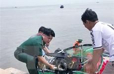 TPHCM: Cứu một người chơi dù lượn bị rơi xuống biển