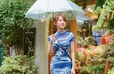 Street style giao mùa ngập sắc xanh của dàn mỹ nhân Việt
