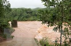 Mưa lớn khiến lũ trên sông Gianh, Kiến Giang, Nhật Lệ lên nhanh