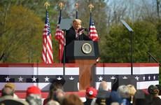 Tổng thống Trump tăng tốc chiến dịch vận động cuối tới bang chiến địa
