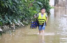 [Photo] Nghệ An: Hàng ngàn học sinh vẫn chưa thể tới trường học