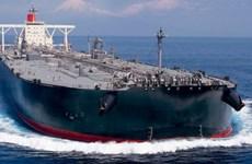"""Bloomberg: 40 triệu thùng dầu của Mỹ sắp """"đổ bộ"""" vào châu Á"""