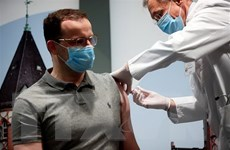 EU ấn định thời gian khởi động tiêm chủng vắcxin ngừa COVID-19