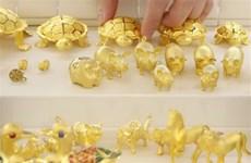 Giá vàng giao ngay giảm tuần đầu tiên trong vòng một tháng