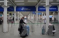 COVID-19: Nga gia hạn lệnh cấm các chuyến bay đến và đi từ Anh