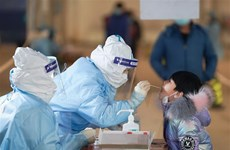 Trung Quốc có nguy cơ tái bùng phát dịch COVID-19 trước dịp nghỉ lễ