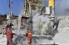 Trung Quốc giải cứu được người thợ đầu tiên trong vụ sập mỏ vàng