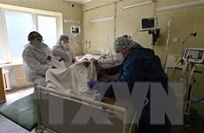 COVID-19: Số bệnh nhân phải nhập viện tại Ukraine tăng cao kỷ lục