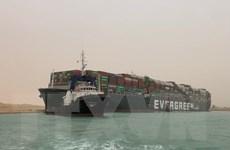 Ai Cập đình chỉ giao thông tại Suez để giải cứu tàu Ever Given