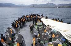 Hàng trăm người di cư trái phép bị bắt giữ ngoài khơi Libya