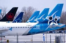"""Thương vụ sáp nhập 2 """"ông lớn"""" trong ngành hàng không Canada bị đổ bể"""