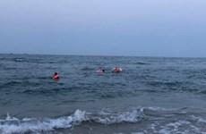 Khánh Hòa: Bị sóng cuốn ra xa khi đi tắm biển, 4 học sinh tử vong