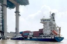 Kết luận thanh tra vụ tàu container đâm gãy cẩu tháp đang thi công