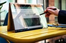 Samsung lần đầu ra mẫu laptop mới mỏng và nhẹ ở quy mô toàn cầu