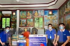 Người Việt tại Lào chung tay cùng chính quyền sở tại phòng dịch