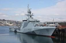 Anh, Pháp điều tàu hải quân và tuần duyên tới eo biển Manche