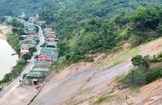 Hàng chục hộ dân ở Nghệ An thấp thỏm nỗi lo sạt lở đồi