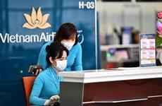 [Video] Người dân lo giá vé máy bay tăng cao nếu bỏ trần