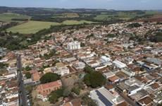 """COVID-19: """"Ốc đảo"""" an toàn ở Brazil nhờ tiêm phòng vaccine"""