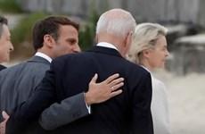 Tổng thống Mỹ có cuộc gặp nhanh người đồng cấp Pháp bên lề hội nghị G7