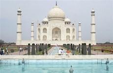 Dịch COVID-19: Ấn Độ mở cửa trở lại ngôi đền Taj Mahal