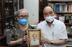 Chủ tịch nước Nguyễn Xuân Phúc tri ân các nhà báo lão thành