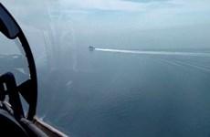 Nga tung video vụ nổ súng, thả bom chặn tàu chiến Anh trên Biển Đen