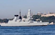 Reuters: Tàu khu trục HMS Defender của Anh cập cảng Gruzia