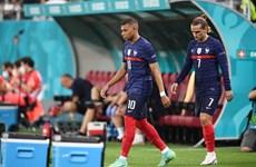 Truyền thông Pháp tiết lộ rạn nứt quan hệ giữa Mbappe và Griezmann