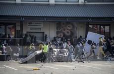 Liên minh châu Phi lên án các hành động biểu tình bạo lực ở Nam Phi