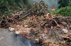 Lào Cai: Mưa lớn kéo dài khiến khu vực đỉnh đèo Ô Quý Hồ bị sạt lở
