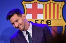 Messi đạt thỏa thuận chuyển tới PSG, đã bay sang Paris ký hợp đồng