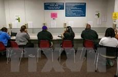 COVID-19: Doanh nghiệp Mỹ phải tăng lương để giữ chân người lao động