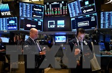 """Chỉ số Nasdaq phá ngưỡng 15.000 điểm, liệu Dow Jones có """"nối gót""""?"""