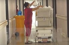 """VIBOT 2 - """"Tình nguyện viên"""" đắc lực tại các bệnh viện dã chiến"""